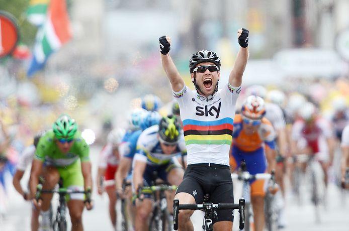 Mark Cavendish schoot in de Tour van 2012 in zijn regenboogtrui drie keer raak.