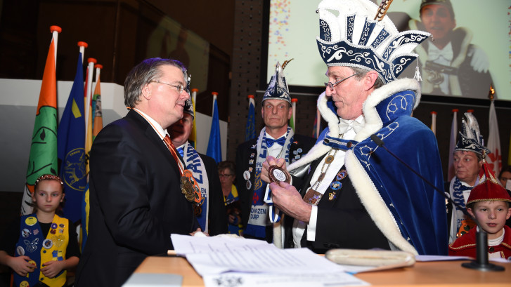 Saillant toeval: hoofdrolspelers Bossche burgemeestersaffaire vieren samen carnaval