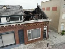 Twee huizen onbewoonbaar na brand aan Westeinde in Waalwijk
