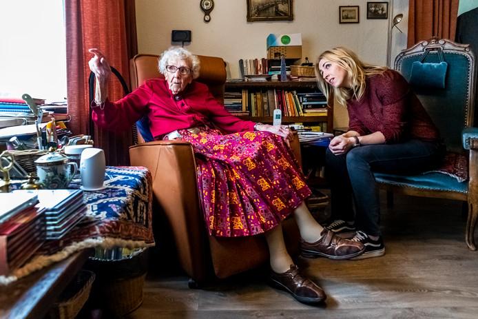 Mevrouw Piël en Lilian Marijnissen (SP).