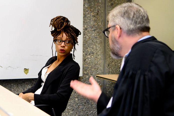 Clarice Gargard met haar advocaat Sidney Smeets tijdens de zitting.
