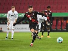 Lewandowski helpt Bayern München aan zege op Augsburg met 22ste goal