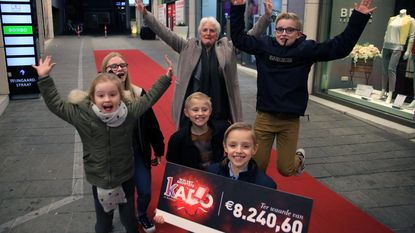 Oma wint 8.240 euro aan cadeaus in K