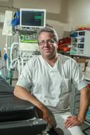 """Jan Stroobants, spoedarts: """"We weten nochtans wat onze focus is: kwetsbaren en ouderen uit ziekenhuizen houden"""""""