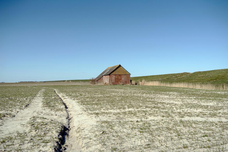 Oud dijkhuisje in de Noordpolder langs de oude deltadijk.