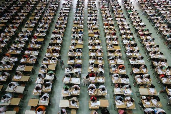Tien miljoen studenten uit heel China nemen deel aan het 'moeilijkste examen ter wereld'
