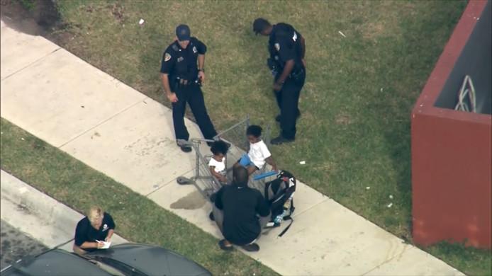 Un enfant de 3 ans tire sur sa mère.