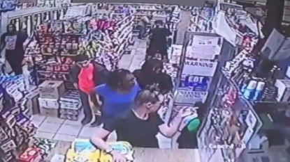 Blanke vrouw (53) beticht 9-jarig zwart jongetje valselijk van seksuele intimidatie in winkel