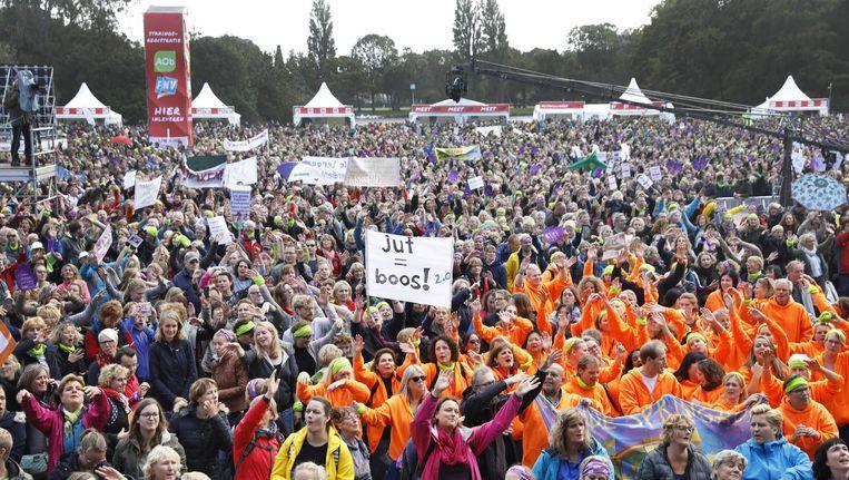 De manifestatie in het Zuiderpark in Den Haag. Beeld anp