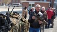 Oud-strijders op bezoek bij oudste legereenheid