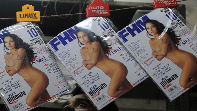FHM in India in december 2011. Het blad veroorzaakte opschudding door een Pakistaanse actrice naakt op de cover te zetten.