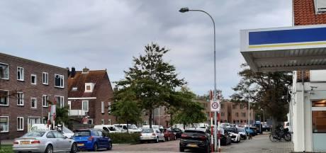 Knokken om een plekje voor je auto in de Van Dishoeckstraat