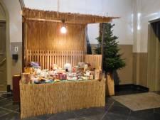 Stadsklooster start inzameling voor Bossche Voedselbank met kerststal