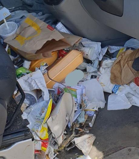 Britse chauffeur beboet om 'gevaarlijke' afvalberg in auto