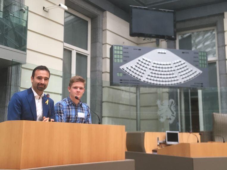 Largo mocht een dagje meelopen in het Vlaams parlement aan de zijde van Koen Daniëls