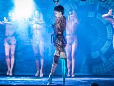 Au Crazy Horse, elle danse avec une prothèse pic à glace
