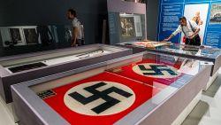 """""""Je wordt geen nazi als je naar een hakenkruis kijkt"""""""