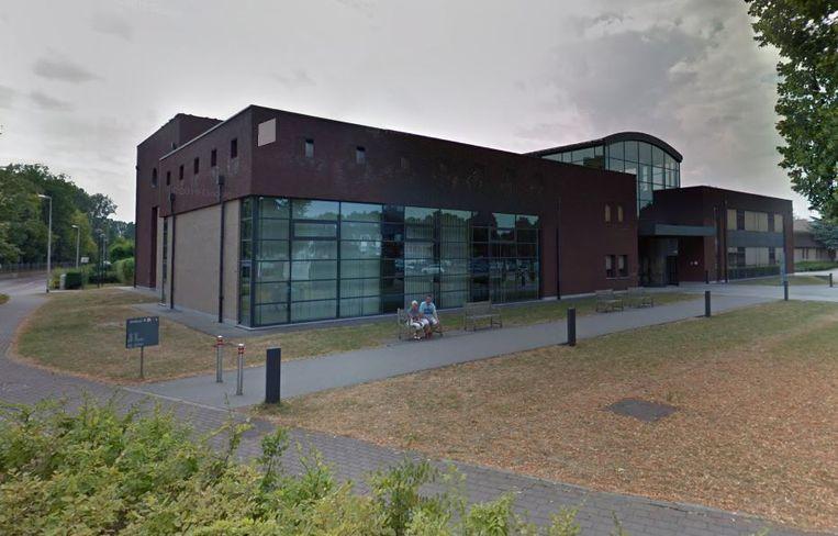 In het Medisch Centrum Sint-Jozef in Munsterbilzen hebben 10 bewoners positief getest op het coronavirus.