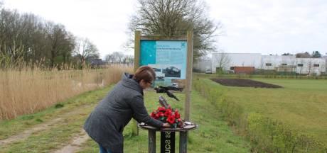 Alleen of met twee: op deze 'vreemde' manier herdenkt de Noord-Veluwe neergeschoten militairen