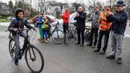 Applaus voor fietsers aan Brusselse Poort