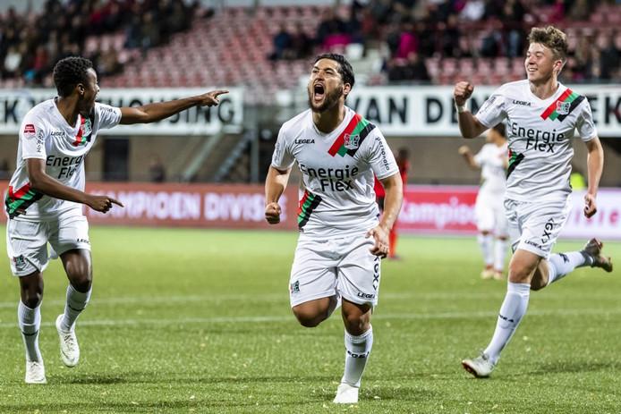 Anass Achahbar, door PEC verhuurd aan NEC, schreeuwt het uit na zijn fenomenale omhaal tegen Helmond Sport (2-3).