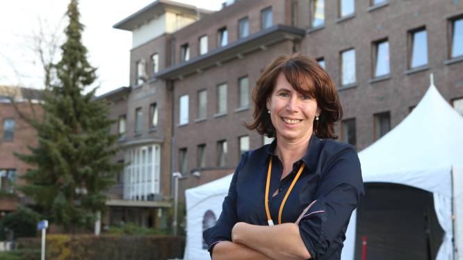 """Op stap in RZ Heilig Hart Tienen met zorgmanager Sonja Krawinckel: """"Medewerkers moeten nu soms plots dingen doen die ze al járen niet meer hebben gedaan"""""""
