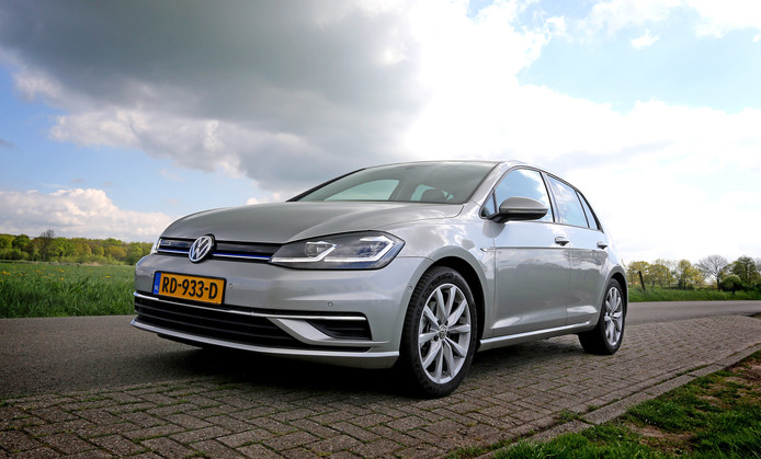 test volkswagen golf weer helemaal bij de tijd auto. Black Bedroom Furniture Sets. Home Design Ideas