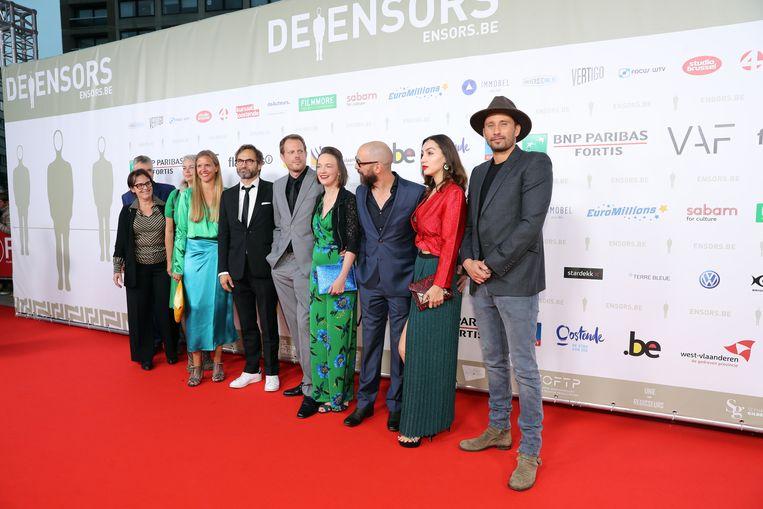 De cast van 'Le fidèle'.