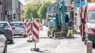 Vernieuwing wegdek en aanleg bloembakken in Nestor De Tièrestraat Eine duurt tot half mei