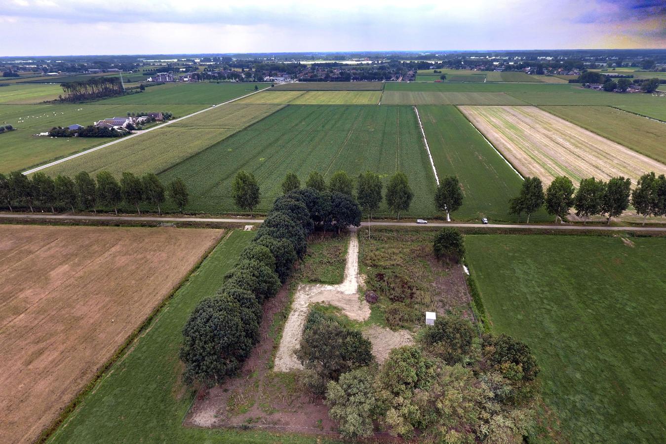 De plek waar de radartoren zou moeten komen, aan de Broekgraaf in Herwijnen.