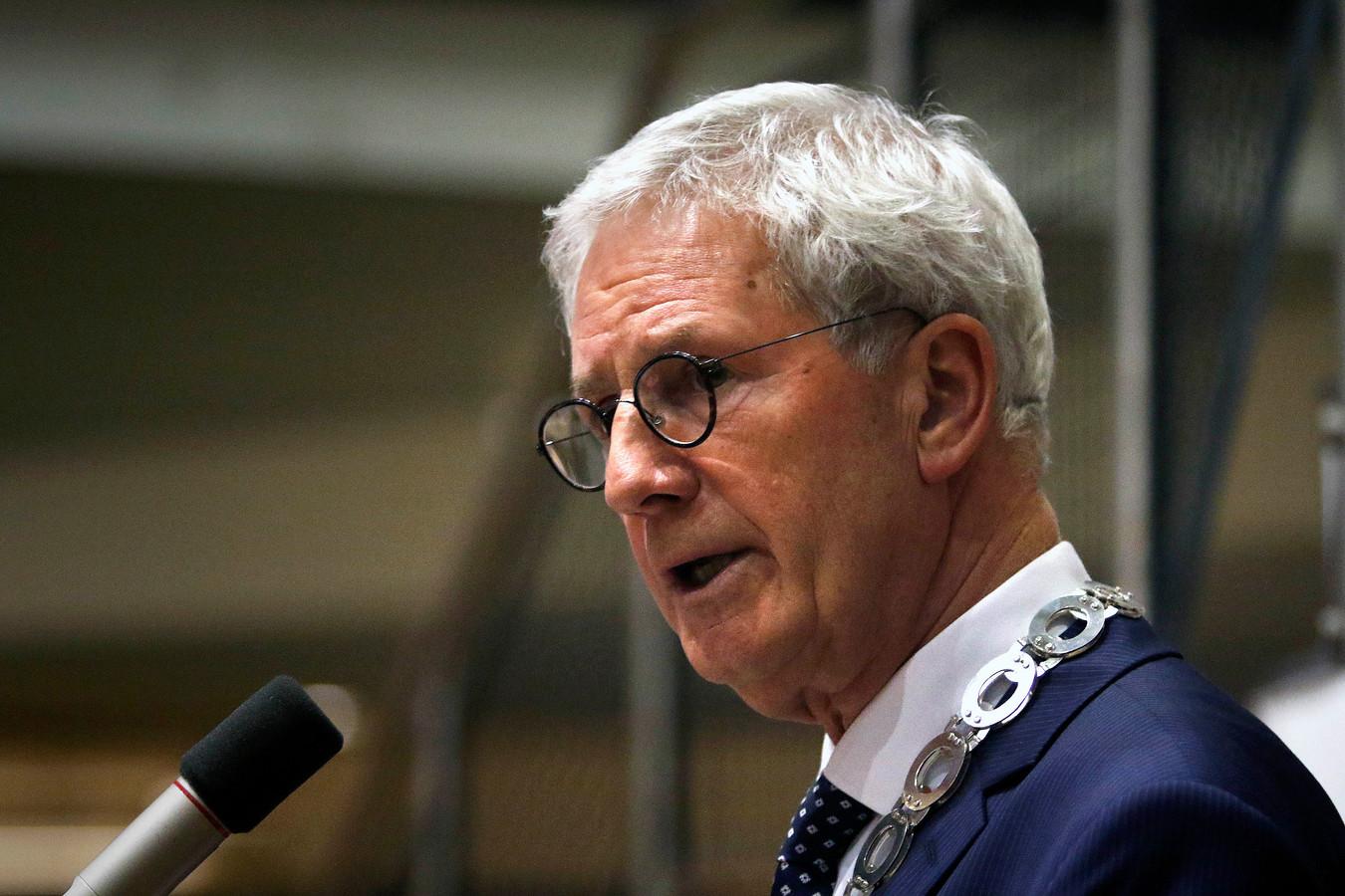 De Moerdijkse burgemeester Jac Klijs
