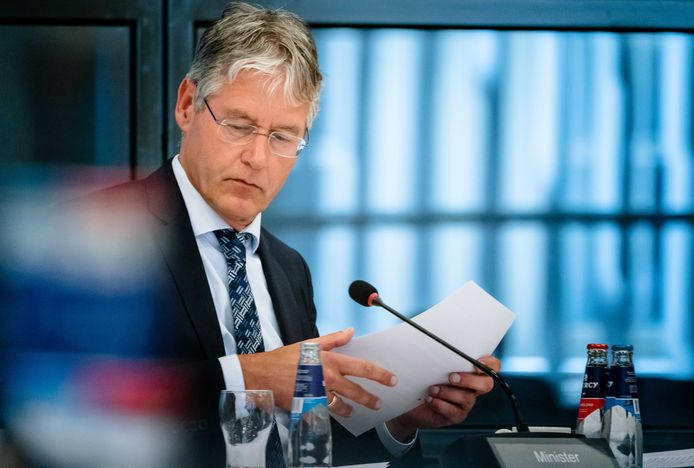 Onderwijsminister Arie Slob eerder deze week bij een spoeddebat over examens.