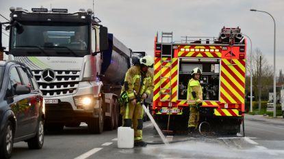 Spoor van frietvet op de N50 houdt brandweer uren zoet