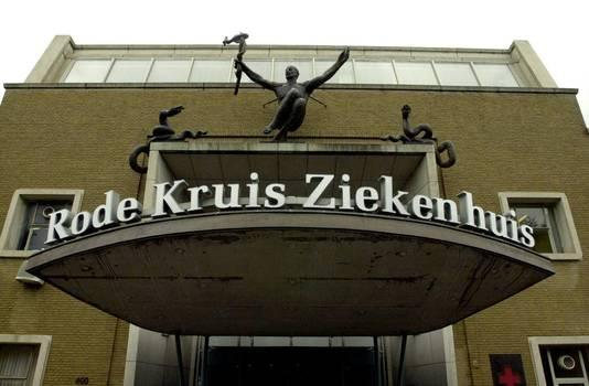 een vrijgevochten zuster op de kraamafdeling | den haag | ad.nl