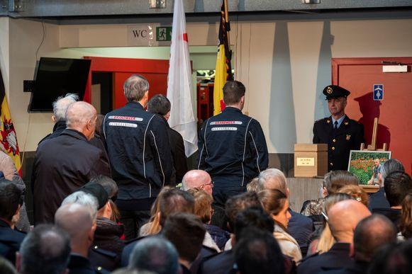 Honderden mensen kwamen afscheid nemen van Jens De Winter.