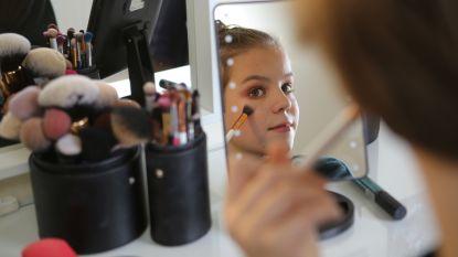 """Stan (13) is make-upartiest én beautyspecialist: """"Op geen enkele oogschaduw of lipstick staat 'alleen voor vrouwen'"""""""