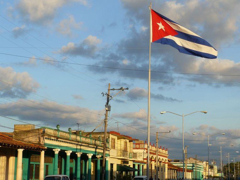 Pinar del Río, met een wapperende nationale vlag. Beeld Karin Anema