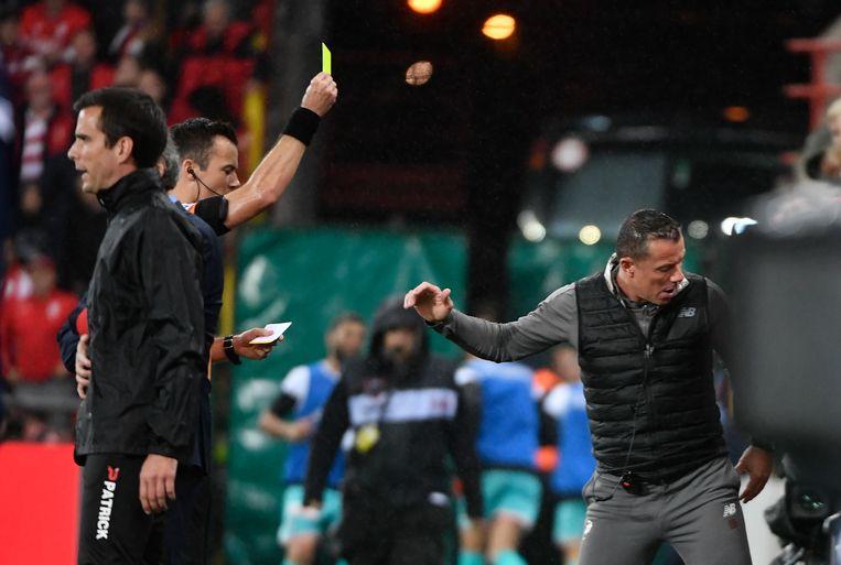 Ook in de wedstrijd tussen Standard en Charleroi, eind september, kreeg Deflandre al een kaart.
