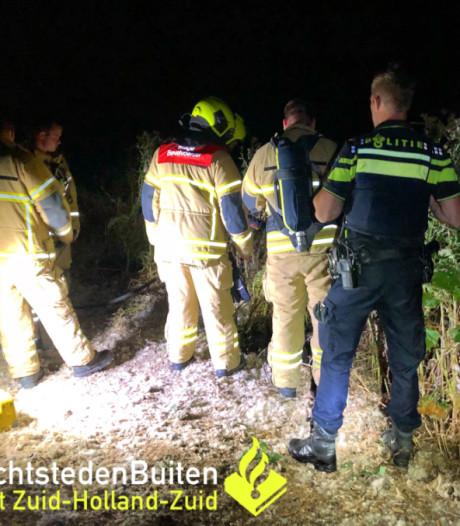 Knallen en brand bij de Oude Maas in Zwijndrecht