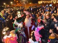 Afscheid van de Sint: honderden kinderen bij haven van Wijk bij Duurstede