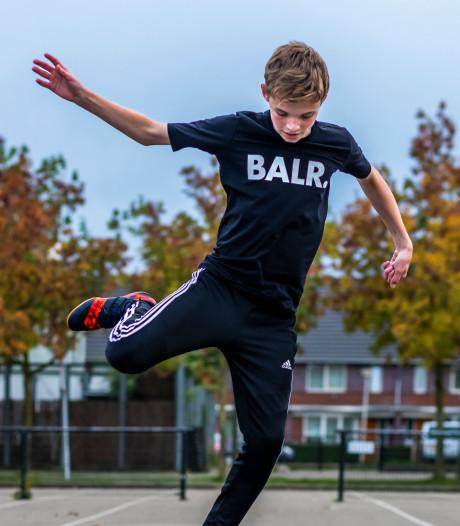 Straatvoetballer Joris (15) uit Vleuten is megahit op Instagram: 'Mijn filmpje is over de hele wereld bekeken'