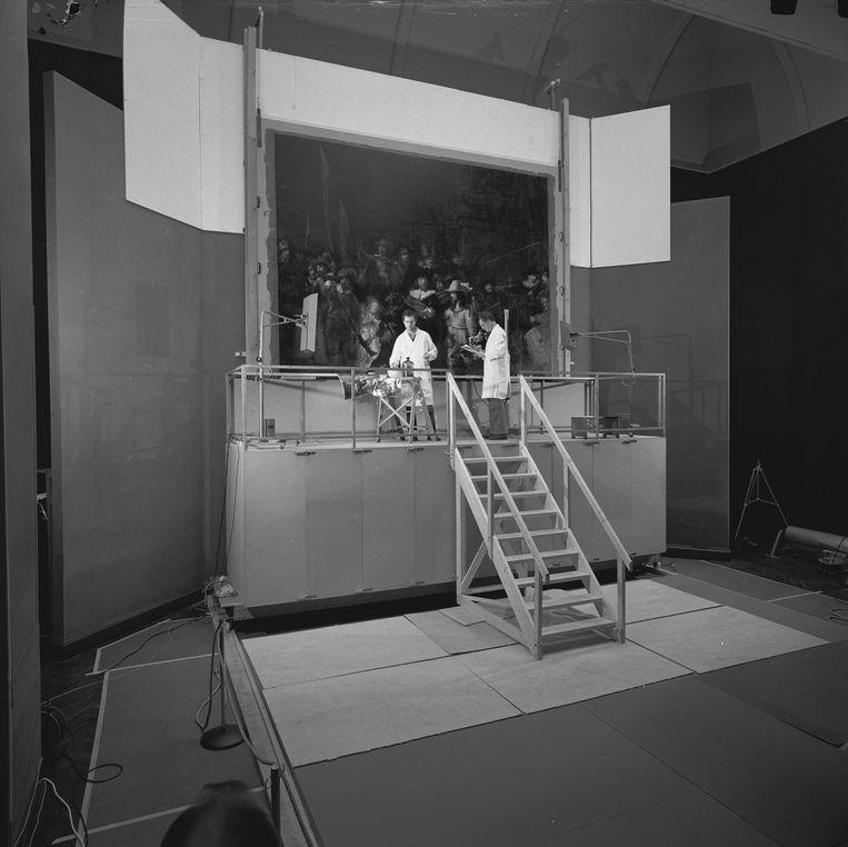 Restauratie nachtwacht (1975-1976) Beeld Het Rijksmuseum
