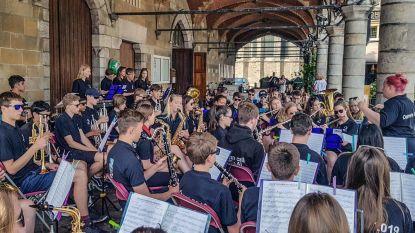 Engels jongerenorkest houdt korte tussenstop in Ieper