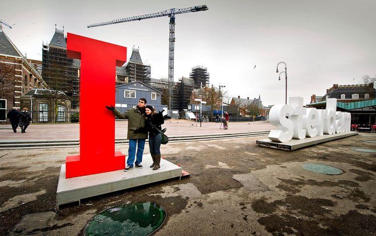 In 2010 werden enkele letters gestolen en op Marktplaats gezet.
