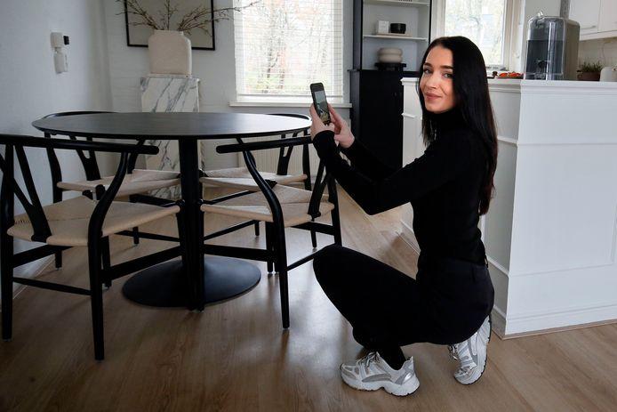 Zina Romijn post de hele week door foto's van haar eigen interieur. En dat levert volgers op: zo'n 12.000 zelfs.