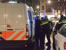 13 illegale gokkers opgepakt in afhaalrestaurant: 'Een van de mannen probeerde op agenten in te rijden'