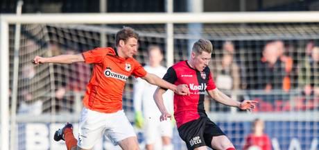 Stronks tekent nieuw contract bij De Treffers