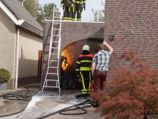 Frietpan in brand in garage in Veen