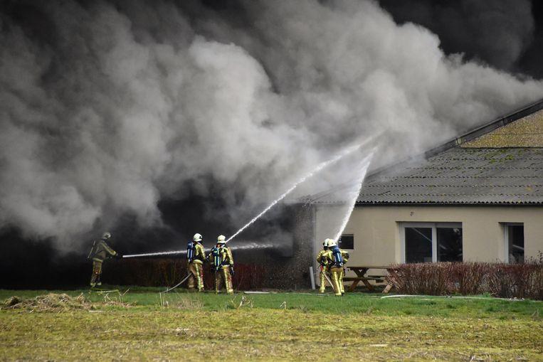 De brand ging gepaard met een hevige rookontwikkeling.