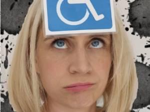 """""""Non, elle ne fait pas coucou"""":  une mère sensibilise au handicap invisible de sa fille de 3 ans"""